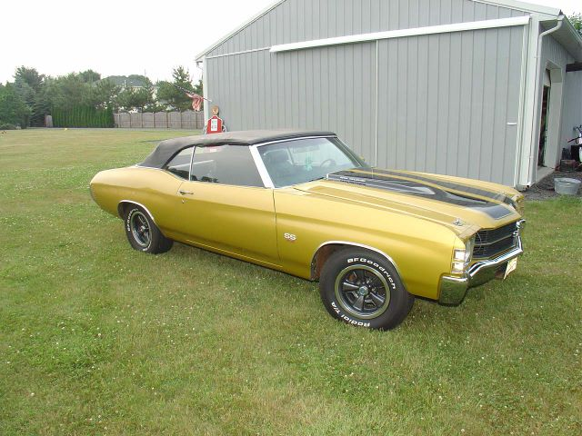 Gold 1971 Chevelle Super Sport Convertible